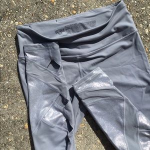 Victoria Sport Knockout Tights Sz M NWOT